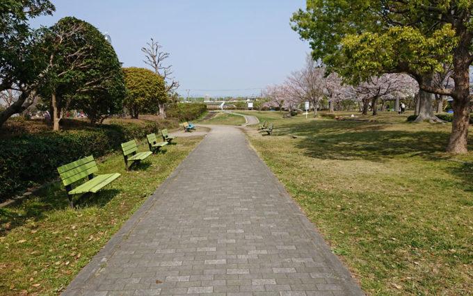 高松公園のベンチ
