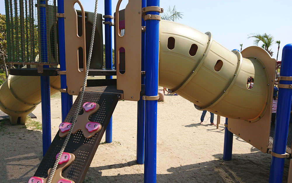 広野海岸公園のコンビネーション遊具