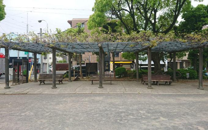 清水山公園のベンチ