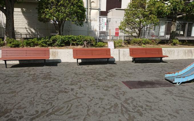 さつき公園のベンチ
