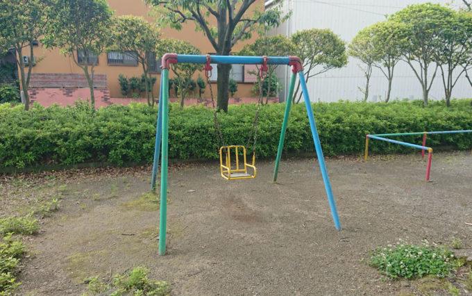 高松若宮公園の幼児用ブランコ